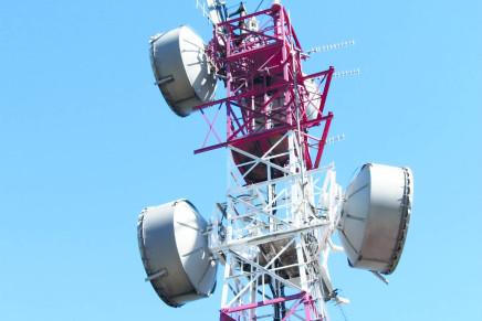 Torri di trasmissione, la lotta per Inwit e i propositi del Governo
